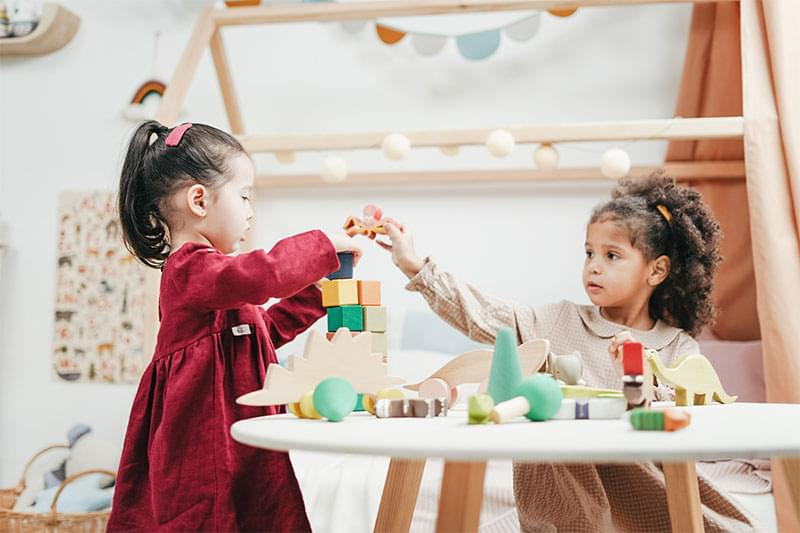 Learning through play, benefits of early learning,  early learning toys, aids to early learning